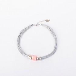 Керамика на серой вощеной нити с розовой бусиной