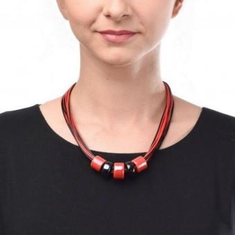 Керамика на вощеной нити с красными  и черными бусинами - 0